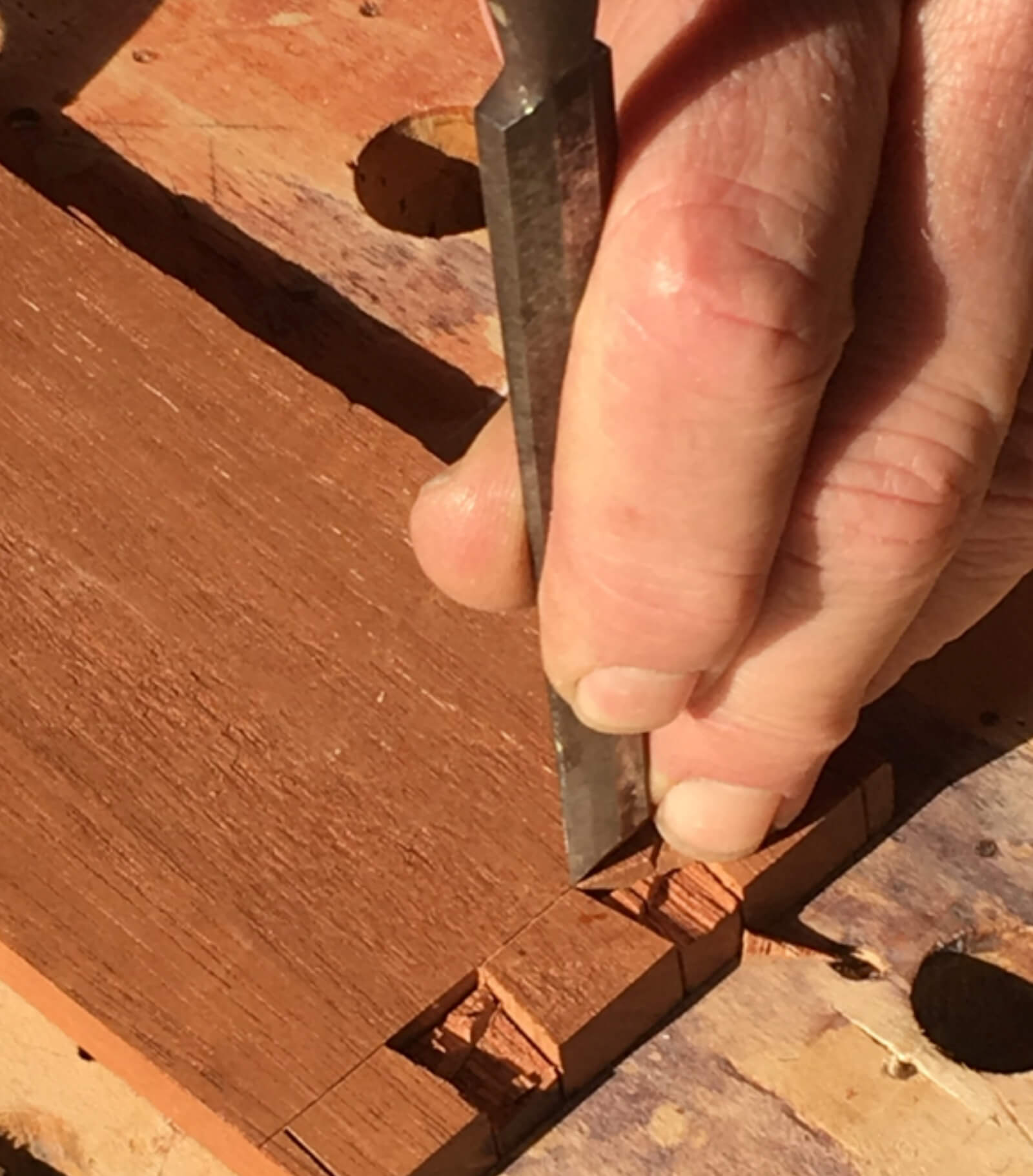 How to use a dovetail chisel