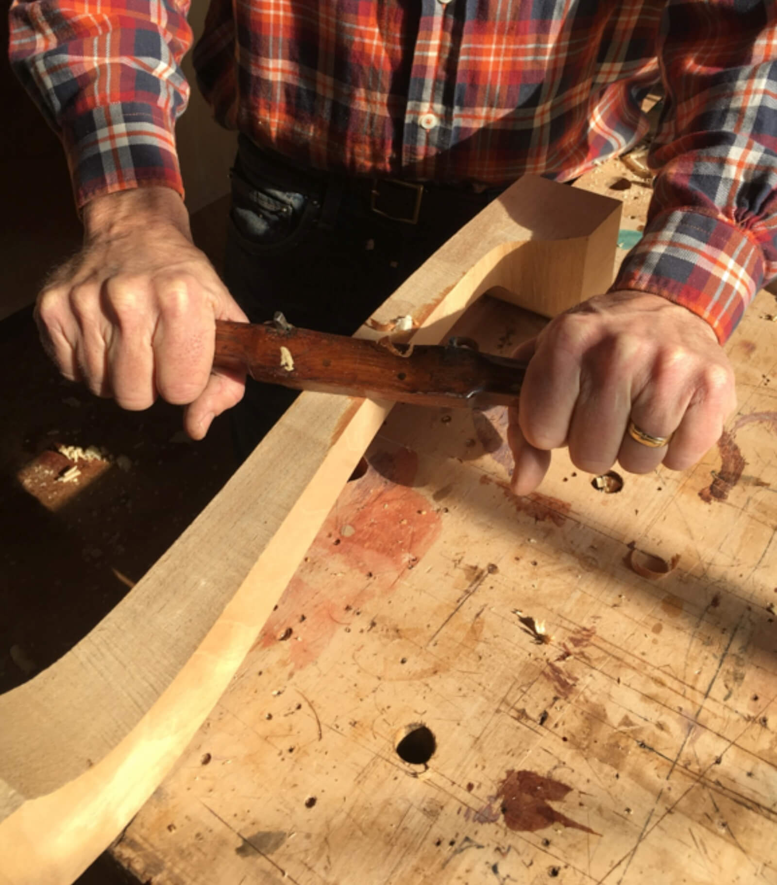 How to hold a spokeshave